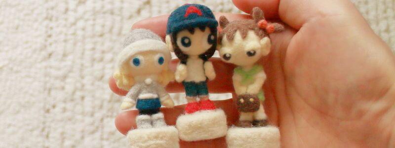 羊毛フェルトの小さな人形