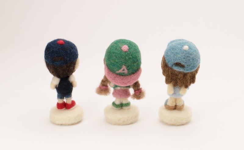 羊毛フェルト人形 野球帽