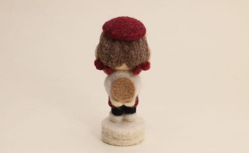 羊毛フェルト人形 マロン カフェ店員