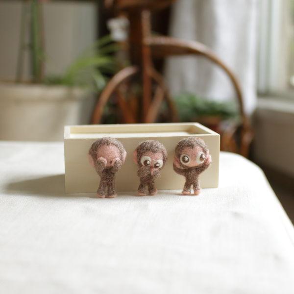 羊毛フェルト人形 三さるくん