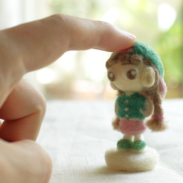 羊毛フェルト人形 アム