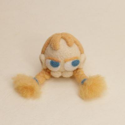 羊毛フェルト人形オレンジ ピンクッション