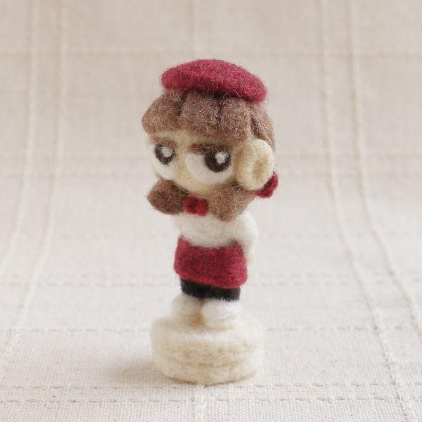 羊毛フェルト人形 マロン ver.カフェ