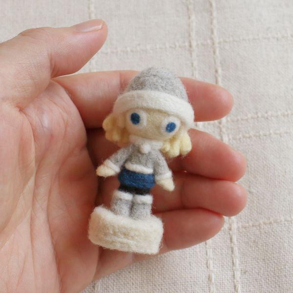 羊毛フェルト人形 スノー