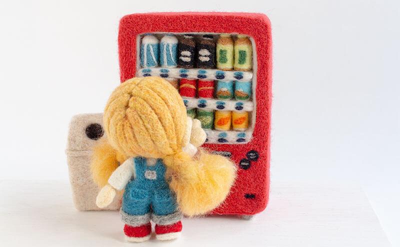 羊毛フェルト人形 自販機