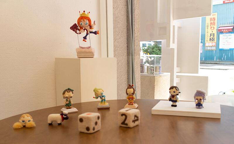 マカフェルト工房作品展 さわれる作品用テーブル